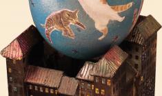 Виктор Солодкий. Ураган котов. Скорлупа яйца страуса, масло, дерево. 2011