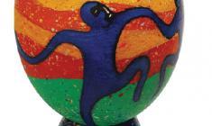Максим Аникин. Пасхальное яйцо «ТАНЕЦ». Скорлупа яйца страуса, масло. 2010